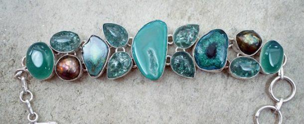 Porter le bijou turquoise selon votre tenue